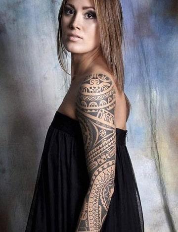 tatuajes samoanos en el brazo mujeres