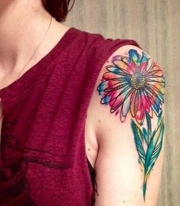 tatuajes a color en el brazo flor