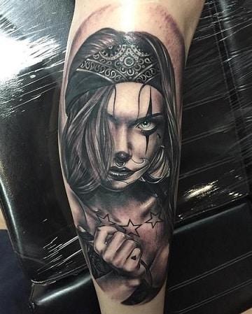 tatuajes de payasos cholos en el brazo