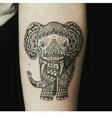 tatuajes de proteccion y buena suerte elefante