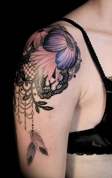 tatuajes femeninos en el hombro nuevos