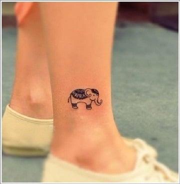 tatuajes tiernos para mujeres en el tobillo