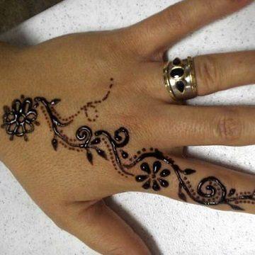 Dise os originales de tatuajes de henna faciles catalogo for Henna para manos
