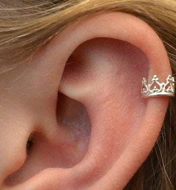 piercing en las orejas para mujeres lindos