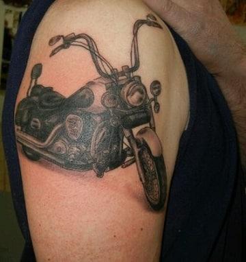tatuajes de motos para hombres en el brazo