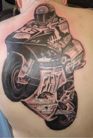 tatuajes de motos para hombres en la espalda