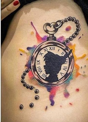 tatuajes de peter pan reloj