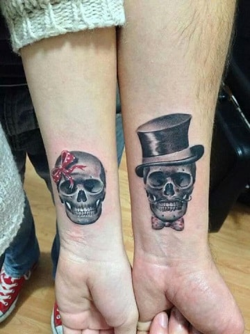 tatuajes pequeños de amor calaveras