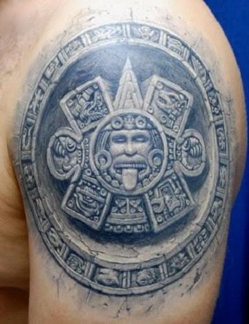 tatuajes tribales aztecas en el brazo