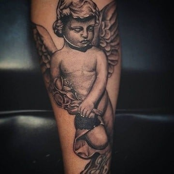 realistas tatuajes de angeles bebes para mujeres