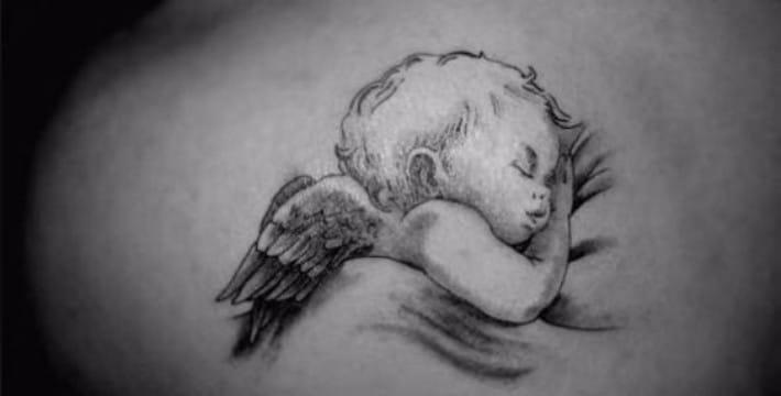 tatuajes de angeles bebes para mujeres en blanco y negro