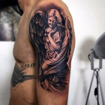 tatuajes de angeles de la guarda en el brazo