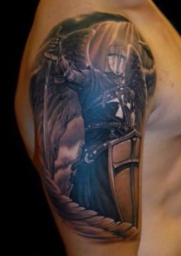 tatuajes de angeles guerreros en el brazo curado