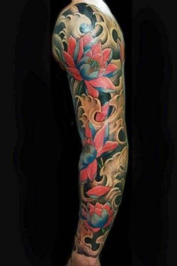 tatuajes de flores japonesas en manga