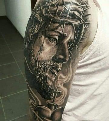 tatuajes de jesus de nazaret en blanco y negro