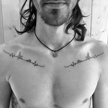 tatuajes en la clavícula para hombres sencillos