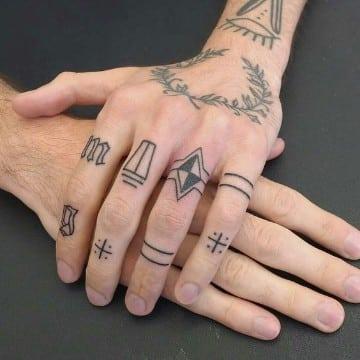 imagenes de tatuajes en los dedos para hombre
