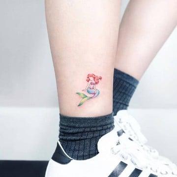 tatuajes chiquitos de mujer en la pierna