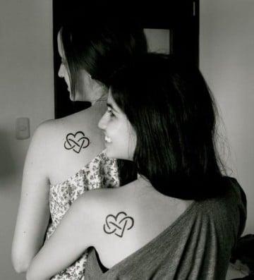 tatuajes de hermanas simbolos infinitos