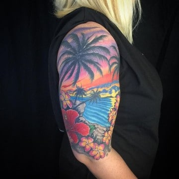 tatuajes de paisajes de playa mujer