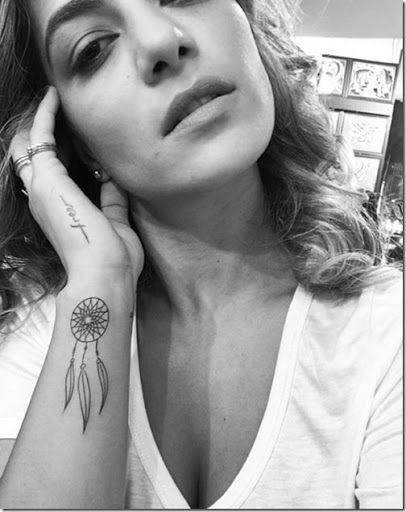 tatuajes de atrapasueños a color pequeños