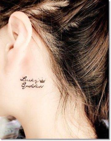 tatuajes de coronas en el cuello de mujeres