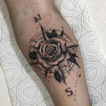 Algunos Diseños De Tatuajes De Rosa Para Hombres