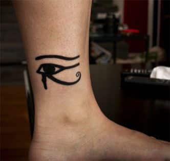 tatuaje imagenes del ojo de horus tobillo
