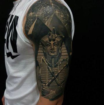 tatuajes de dioses egipcios hombres