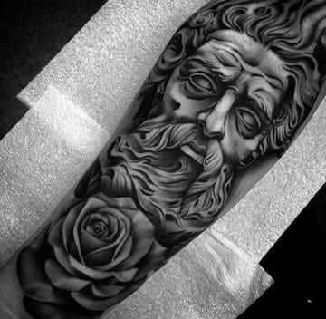tatuajes de dioses griegos brazo