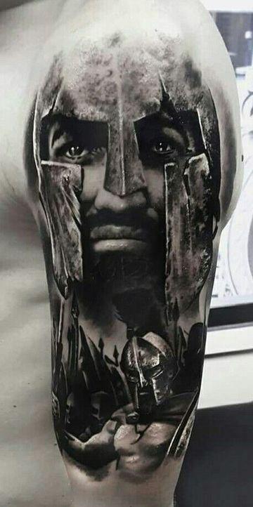tatuajes de gladiadores romanos en brazo