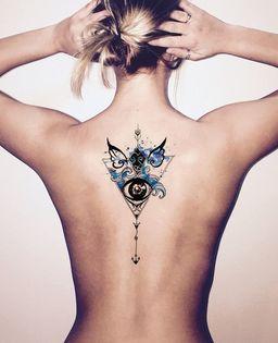tatuajes de ojos para mujeres espalda