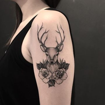 tatuajes de venados para mujeres en brazo