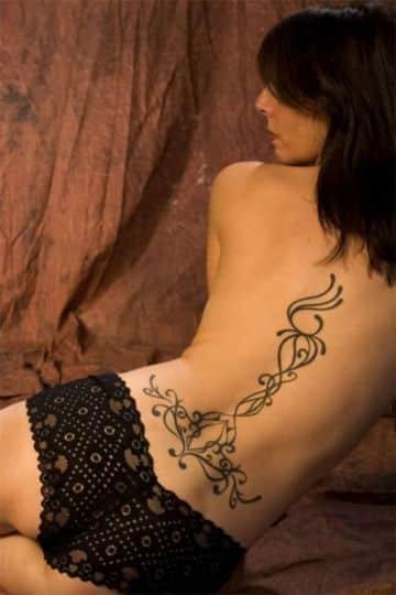 tatuajes para espalda baja simples