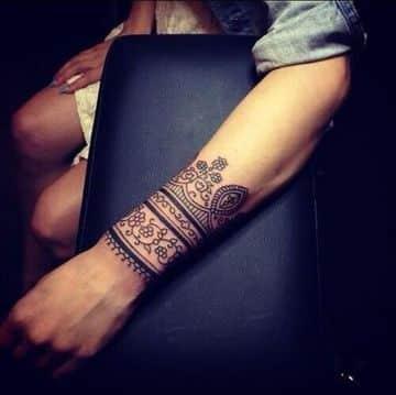 tatuajes tribales en la muñeca completos
