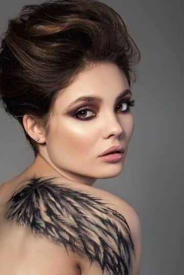tatuajes con significado de libertad alas para mujer