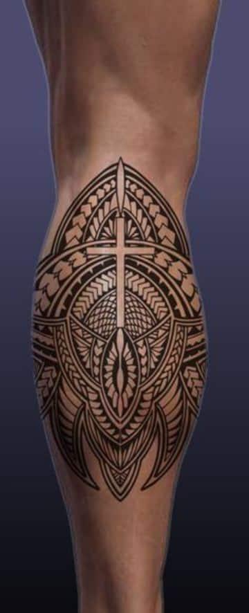 tatuajes elegantes para hombres en pierna