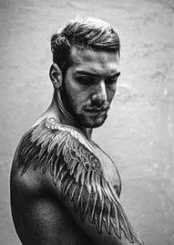 tatuajes de alas para hombres espalda y brazo