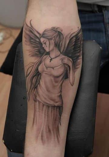 tatuajes de angeles en el brazo en antebrazo