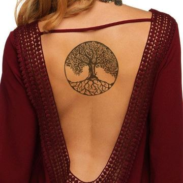 tatuajes de arboles en la espalda pequeños