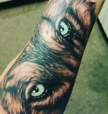tatuajes de ojos de animales para hombres (2)