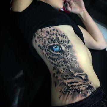 tatuajes de ojos de animales para mujeres