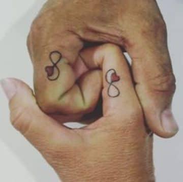tatuajes de parejas amor infinito de adultos