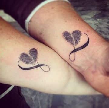 tatuajes de parejas amor infinito en la muñeca