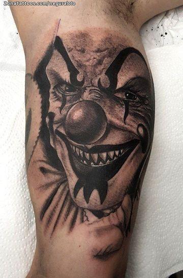 tatuajes de payasos diabolicos en el antebrazo