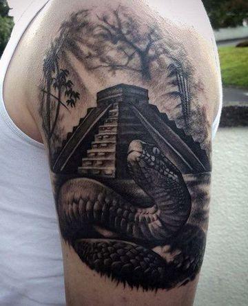 tatuajes de serpiente emplumada azteca