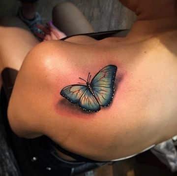 tatuajes en 3d para mujeres en el hombro