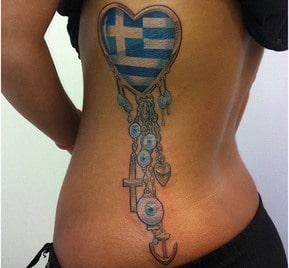 tatuajes griegos para mujeres en la espalda
