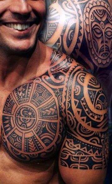 tatuajes polinesios para hombres pectorales