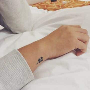fotos de tatuajes en la muñeca pequeños